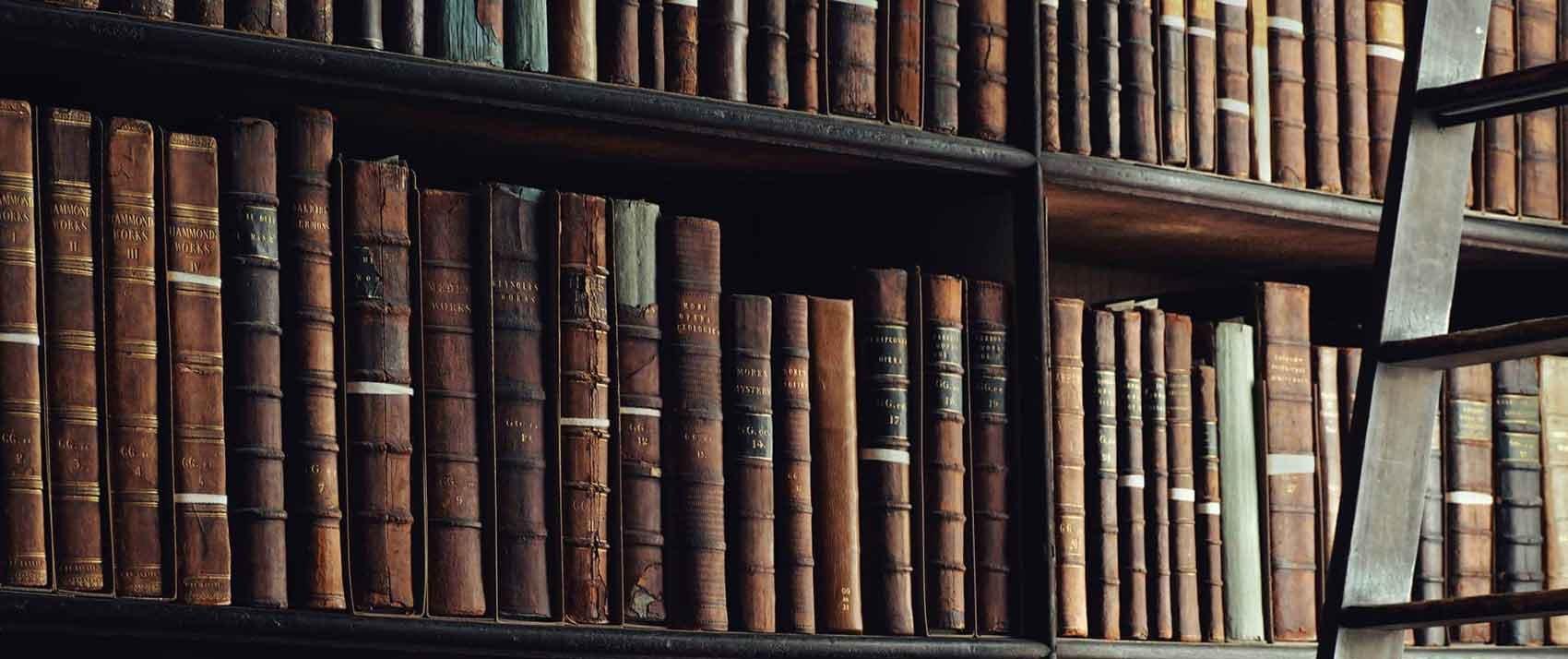 Books banner - valentin-rechitean-366196-unsplash-1